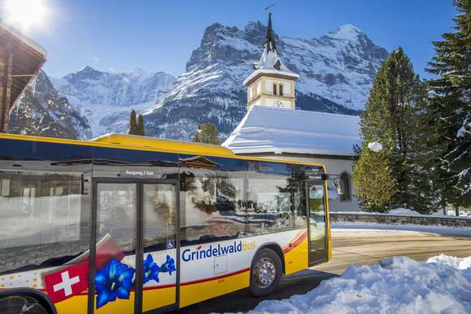 Bus advertising Roof banner Grindelwald Bus